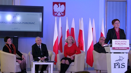 Od lewej: Leokadia Oręziak, Jarosław Kaczyńki,  Grażyna Ancyparowicz, Beata Szydło (z tyłu Witold Modzelewski)
