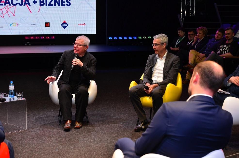 """Daniel Libeskind i Stefan Blach na konferencji """"Miasto 2.0. Rewitalizacja + biznes"""", fot. EC1 Fundacja Łódzka"""
