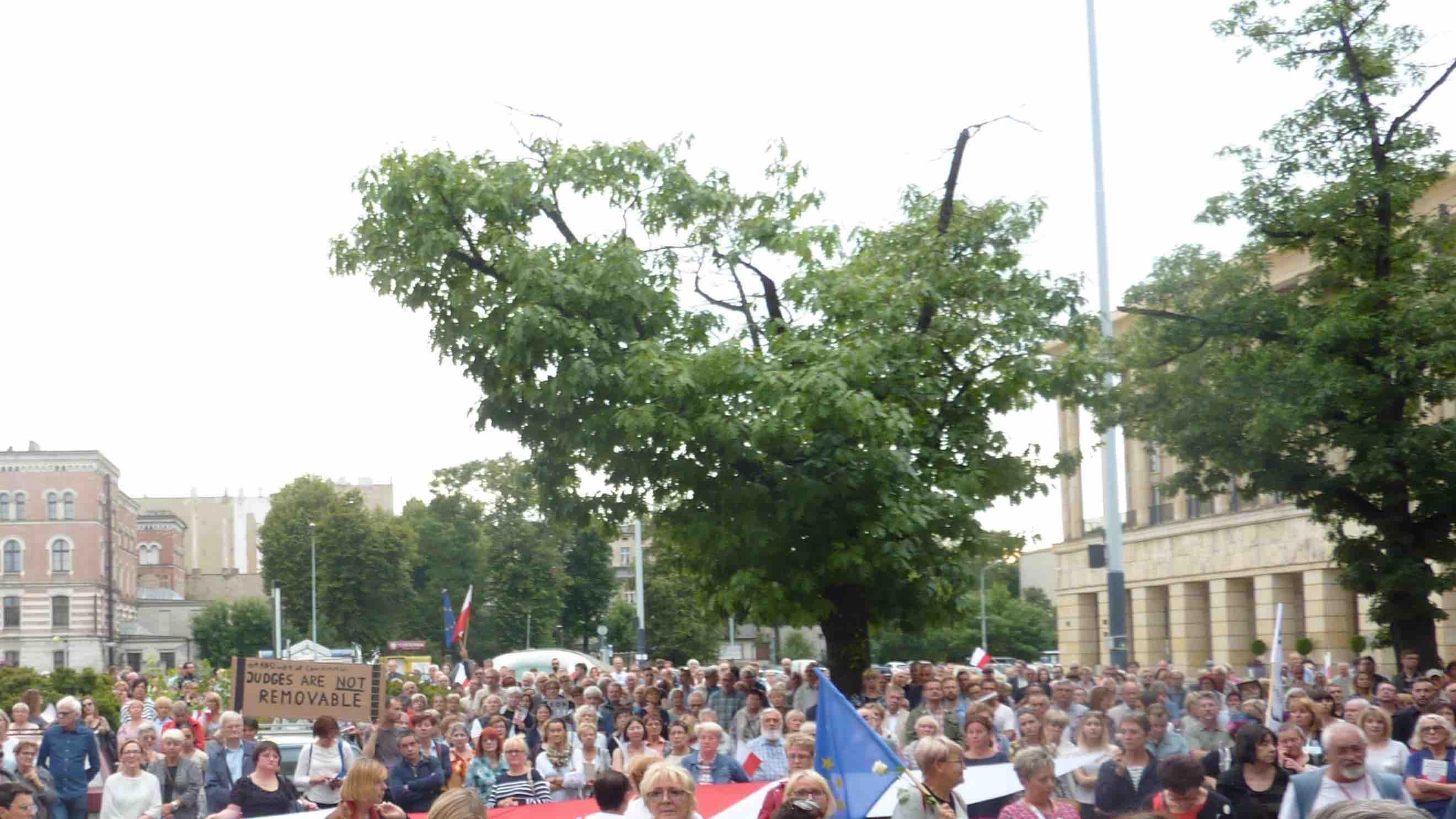 Krótkie przemówienie w obronie Sądu Najwyższego - Liberté!
