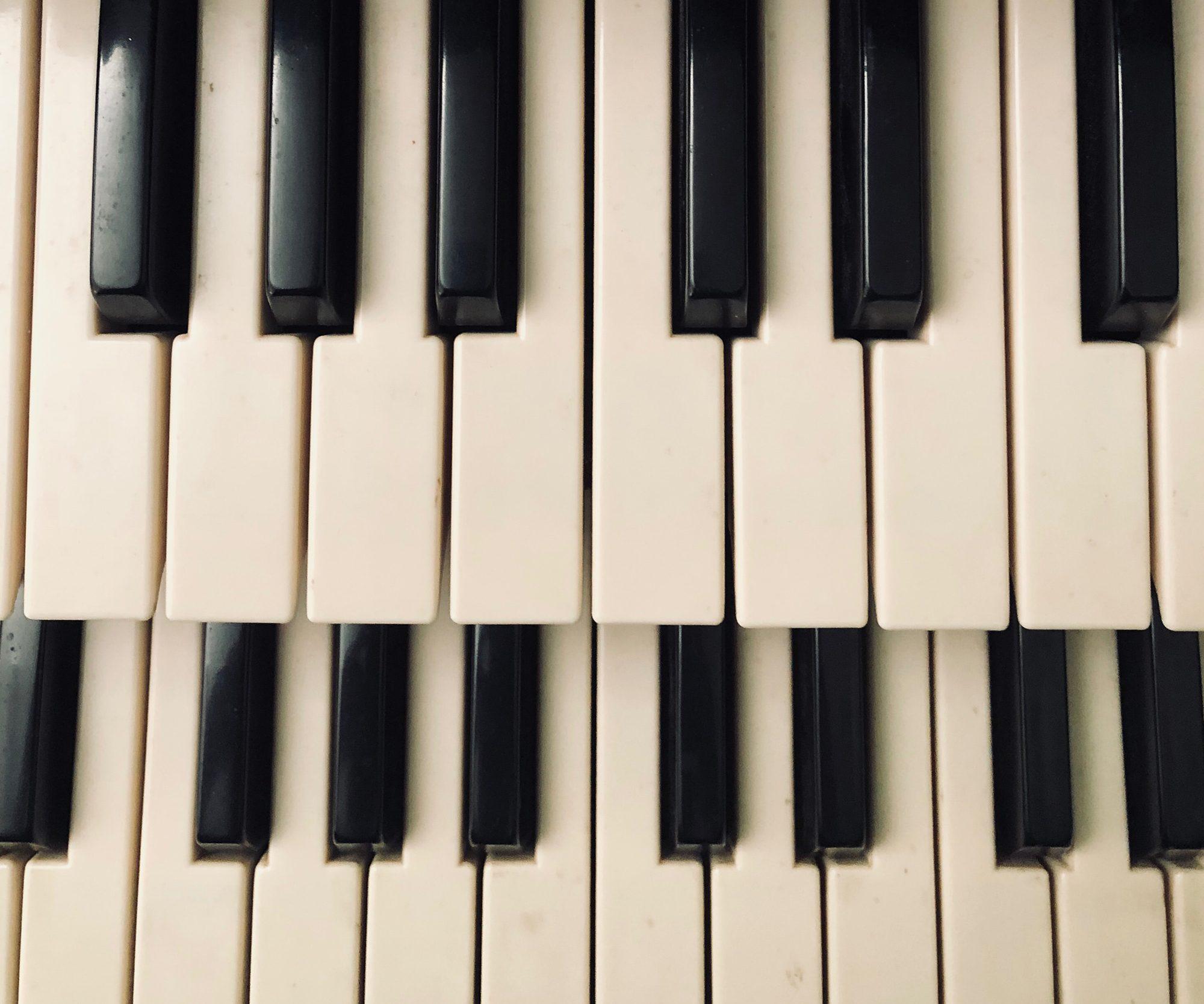 Polityka zagraniczna czyli wiele fortepianów