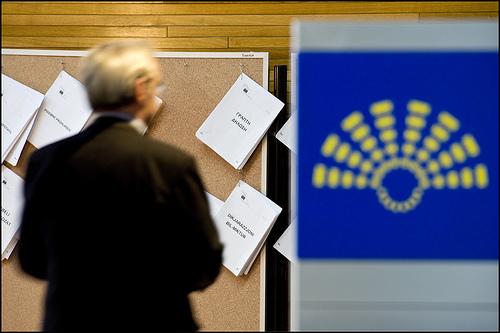 http://www.flickr.com/photos/european_parliament/4618884246/sizes/m/in/photostream/